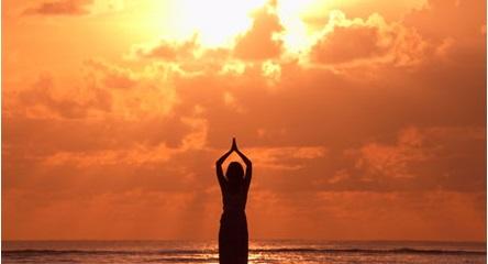 Surya Namaskar La Salutation au Soleil